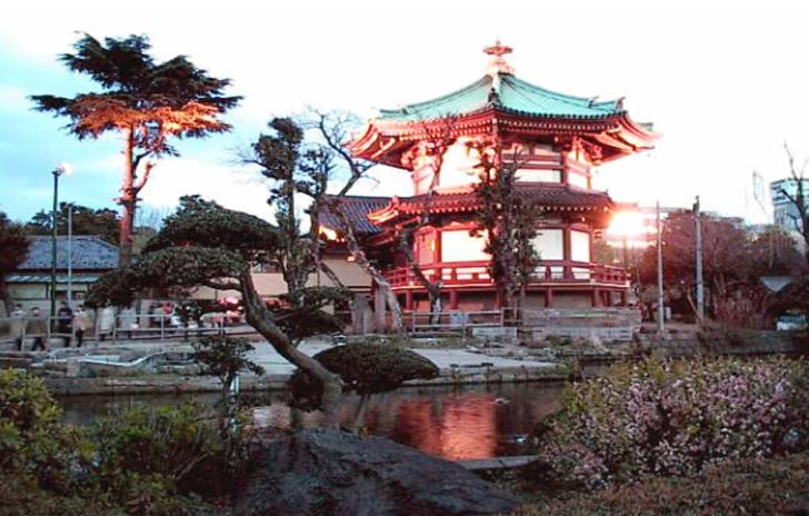 Ueno Park Shinobazu-pond Bentendou