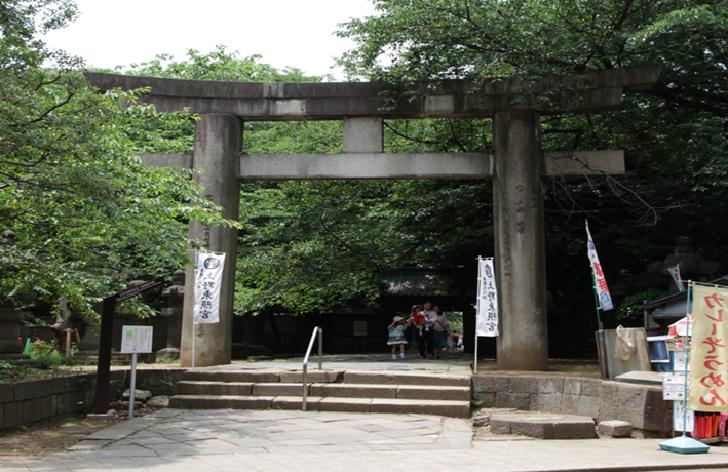 TOKYO Ueno Tokyogu Shrine grand gate