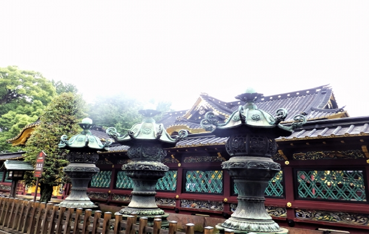 TOKYO Ueno Tosyogu Shrine Lanterns