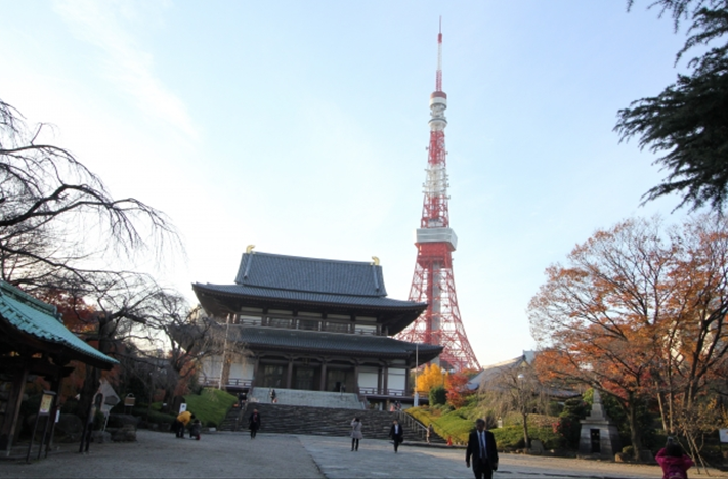 Zojoji temple with Tokyo Tower