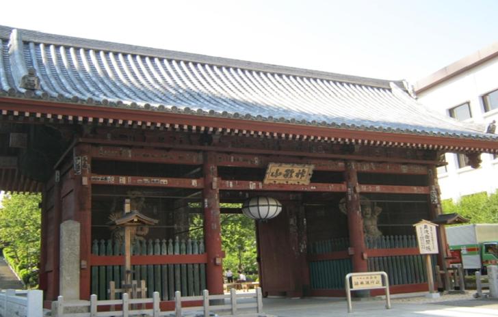 TOKYO Gokokuji Temple Sanmon