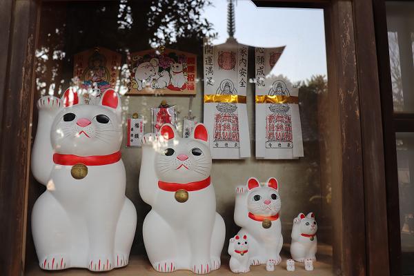 Gotokuji temple Maneki Neko souvenirs
