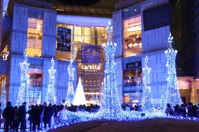 TOKYO, Christmas Lights at Caretta Shiodome Blue
